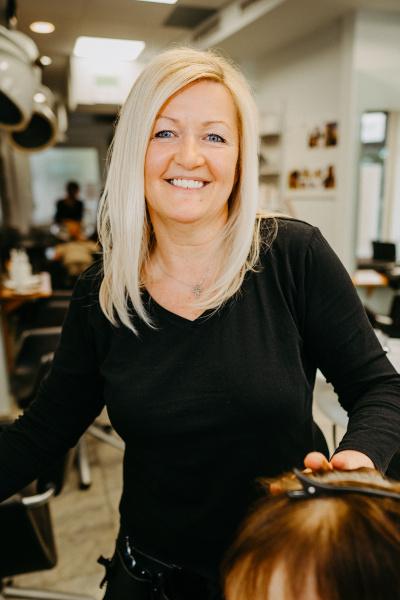 Friseur Schwechat Monika