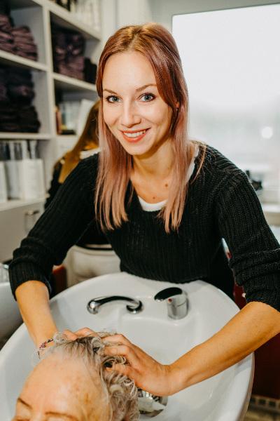 Friseur Schwechat Sarah